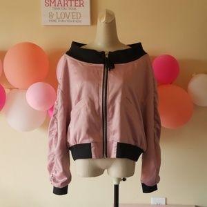 Pink satin shoulder jacket 💕
